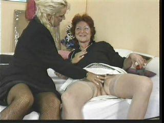 порно видео зрелые лесби
